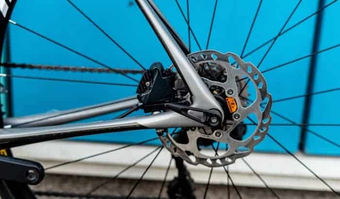 What-is-the-difference-between-hydraulic-and-mechanical-disc-brakes