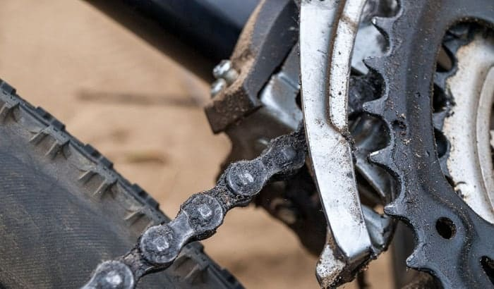 How-do-you-remove-a-chain-link-without-a-tool
