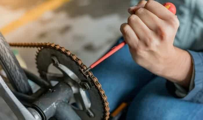 How-do-you-remove-links-from-a-bike-chain-without-the-tool