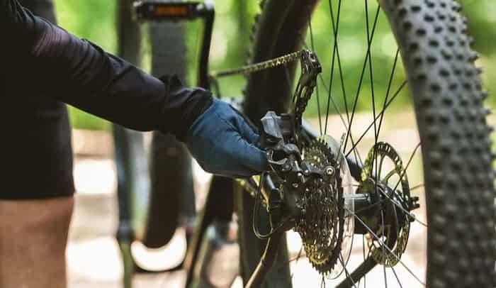 Put-the-Bike-Chain-Back