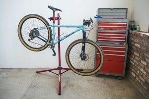 Clean-bike-chain-with-dish-soap