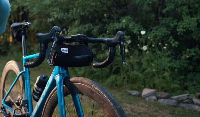 bikepacking-handlebar-bag