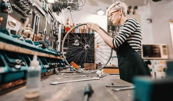 learn-to-be-a-bike-mechanic