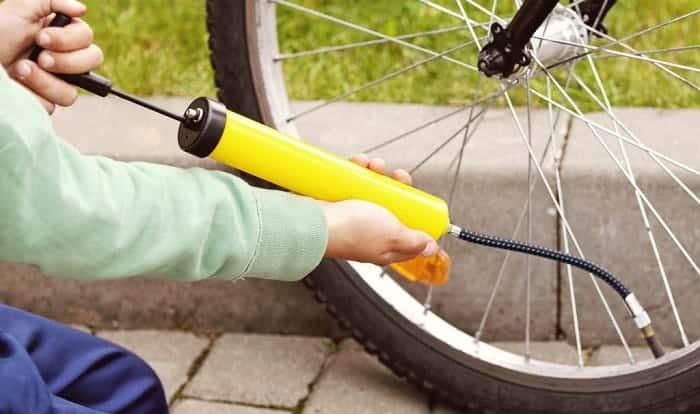 pump-bicycle-tire