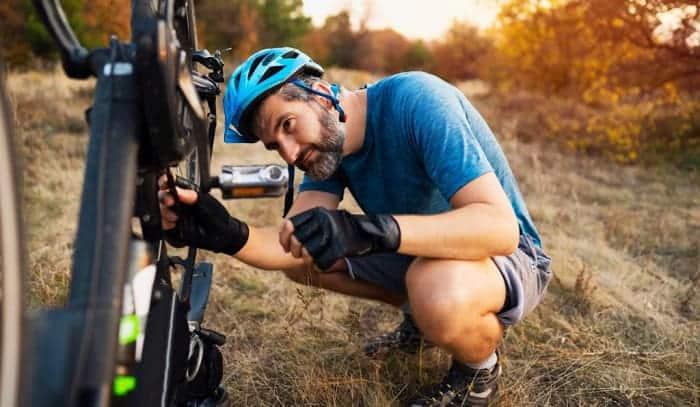 remove-bike-pedals