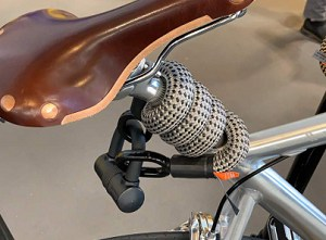 lock-my-bike-with-cable