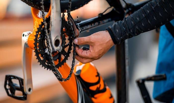 put-a-chain-back-on-a-mountain-bike