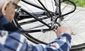 how to remove rear bike wheel no quick release