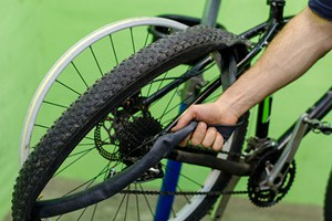 install-road-bike-tire