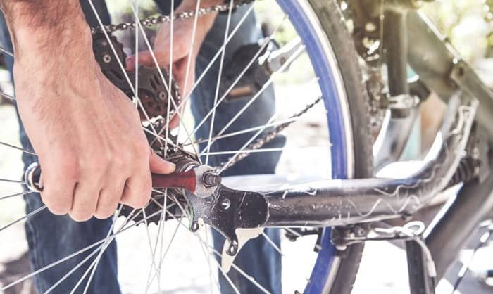 remove-front-bike-wheel-without-quick-release