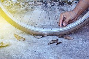 remove-road-bike-tire